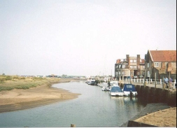 AN17	The waterfront in Blakeney.